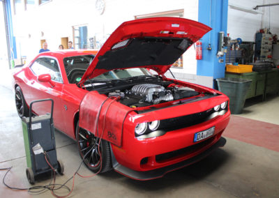 Challenger-SRT-Hellcat3